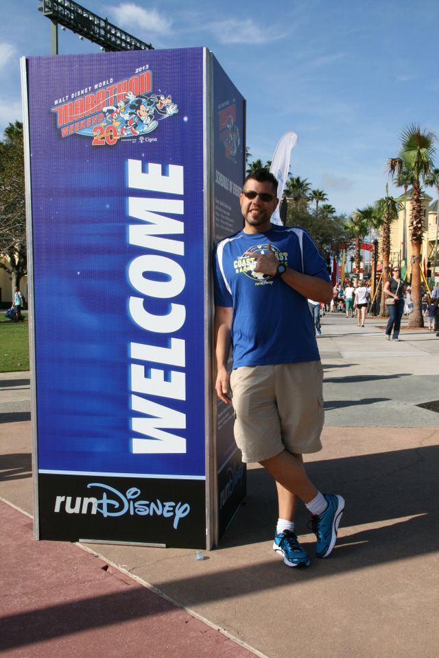 Because nothing screams ELITE ATHLETE more than leaning up against a WELCOME sign, and pointing.