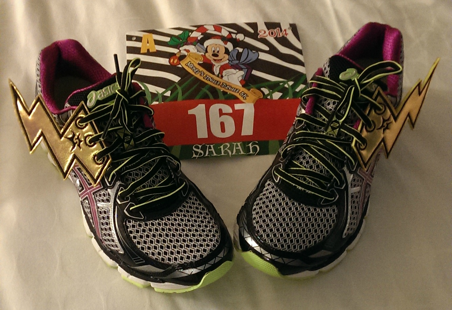 """Race Review: Mickey's Jingle Jungle 5k (11/8/2014) or: """"Get on your bikes and ride…"""""""